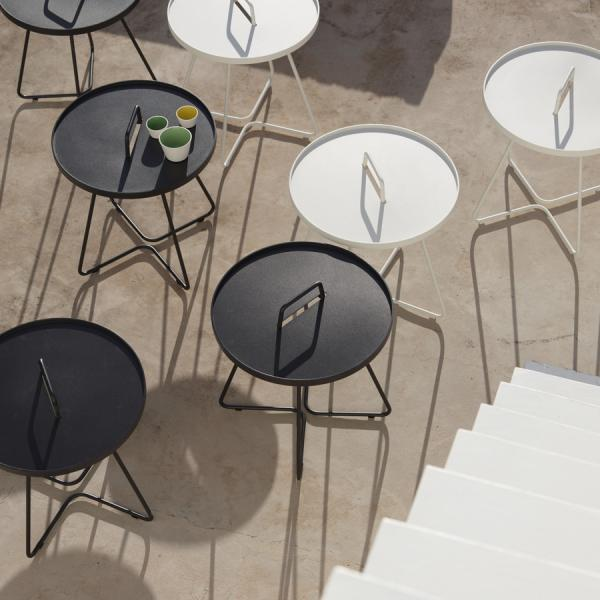 ON-THE-MOVE Side Table Cane-line Outdoor Collection - WGU Design