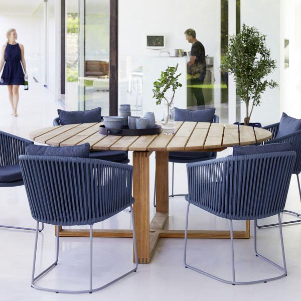 ENDLESS Round Dining Table - Cane-line - WGU Design Luxury Outdoor Furniture