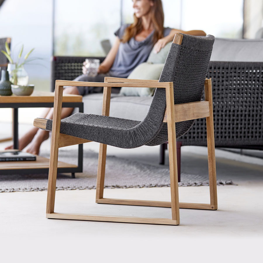 ENDLESS Lounge Chair - Cane-line Outdoor - WGU Design Collection